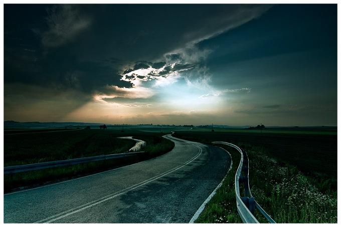 Road by damnengine.deviantart.com